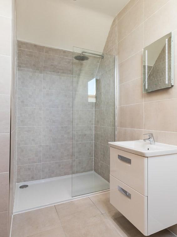 quality-interior-bathroom-swan-homes
